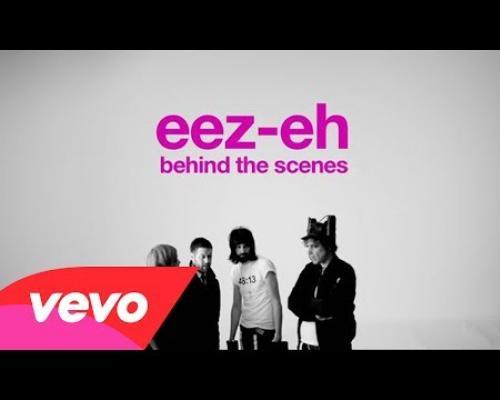 Kasabian - eez-eh (Behind the Scenes)