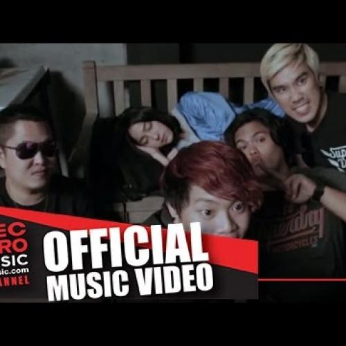 อย่าให้เขาเข้ามา [Official Music Video] - Bedroom Audio